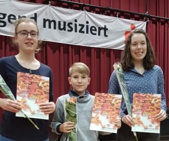 Teresa Fischer, Julian Hempfe, Anabel Voigt von der Orchesterschule KLANGweltt