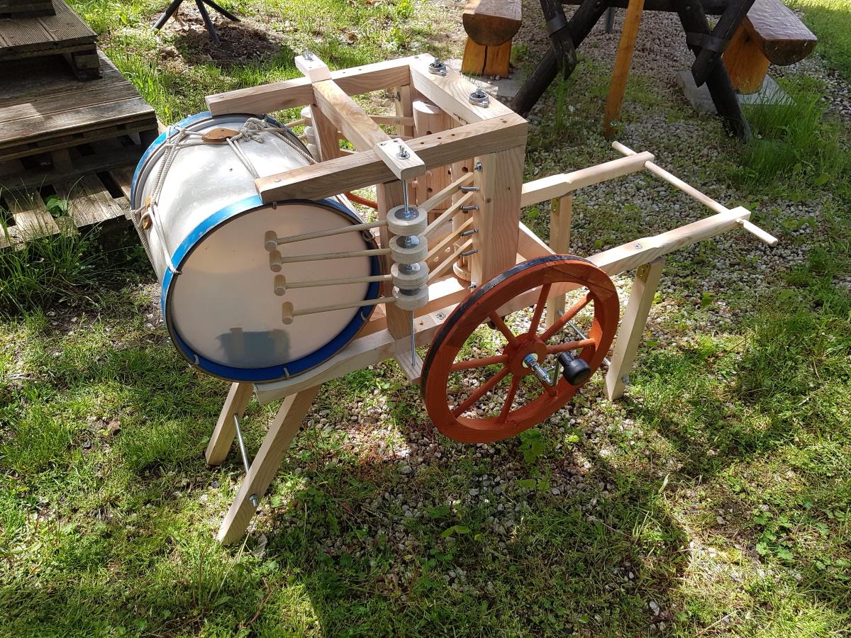 Mechanische Trommel im KLANGgarten des Blasmusikvereins Carl Zeiss Jena